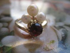 Vintage 14K Crowned Rose Cut Garnet Ring 585 European