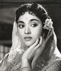 Vyjayanthimala,a famous Indian actress. Indian Film Actress, South Indian Actress, Indian Actresses, Indian Celebrities, Bollywood Celebrities, Bollywood Actress, Indian Photoshoot, Vintage Vignettes, Foto Top
