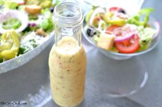 This homemade copycat Olive Garden Salad Dressing. Might ask mum to just buy me the real thing because we have no olive garden here. Olive Garden Dressing, Olive Garden Salad, Olive Garden Recipes, Olive Salad, Salad Dressing Recipes, Salad Recipes, Snack Recipes, Delicious Recipes, Appetizer Recipes