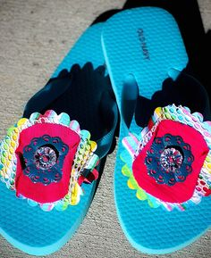 Here's a fun project to do this Summer. My kids loved being able to pick out the fabric and embellishments so their flip flops were 100% their own creation.