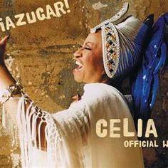 Antes de ingresar en la orquesta Sonora Matancera, Celia Cruz participó en un espectáculo musical y comedia titulado «La corte suprema del arte» donde compartió escena con cantantes destacados de la época como Aurora Linchetti.