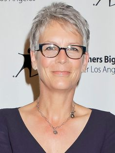 Cropped Tops  Subtle salt-and-pepper spikes complement Jamie Lee Curtis's warm skin and trendy frames.