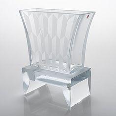 Design och inredning till ditt hem hittar du på Bukowskis auktion online eller shop online - Bukowskis Glass Design, Design Art, Alvar Aalto, Hem, Bukowski, Modern Contemporary, Retro Vintage, Accent Chairs, Mid Century
