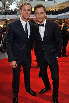 OH YEAH, AND THEY ALSO HAPPEN TO BE STUNNING HUMANS. | Chris Hemsworth And Tom Hiddleston Have The Hottest Bromance To Ever Exist