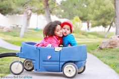 5 Tips to Photographing Siblings | eHow Mom | eHow