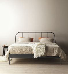 "Holy moly this bed frame looks so nice                                                                                                                                                <button class=""Button Module borderless hasText vaseButton"" type=""button"">       <span class=""buttonText"">                          More         </span>          </button>"