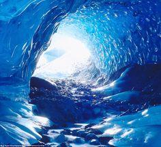 Alaskian ice caves. #USA #alaska #MuirGlacier #adventure #travel #tourism #karryontravel