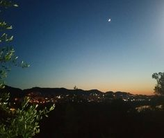 #tirana #tiranabynight #kodradiellit #sunset #moon #amaizing #moments #albania #artificiallake