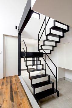 토방있는 검은 색과 흰색을 기조로 한 집 · 방 타입 (아이 치현 지타시)   저비용 · 저가 주택   협소 주택 · 소형 하우스   주문 주택이라면 건축 설계 사무소 프리덤 건축가 디자인