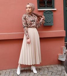 Image may contain: 1 person, standing - Hijab Clothing Modern Hijab Fashion, Muslim Fashion, Modest Fashion, Skirt Fashion, Fashion Dresses, Hijab Outfit, Hijab Style Dress, Hijab Chic, Dress Outfits