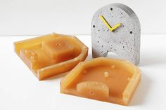 Mold for making concrete clock