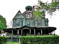 Moss Avenue Queen Anne Style - Peoria, IL