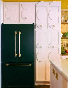"""The Kitchen Coronavirus Built"": A Jaw-Dropping, DIY Kitchen That Truly Proves The Skys The Limit - Emily Henderson #kitchendesign #eclectickitchen #homedesign #interiors"