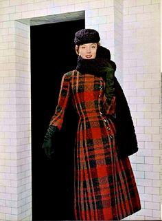 Tartan Coat by Jacques Fath ~ 1955 Tartan Fashion, Fashion Moda, 1950s Fashion, Vintage Fashion, Club Fashion, Fashion Women, Jacques Fath, Moda Vintage, Vintage Mode