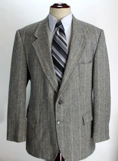 Levi's Blazer Sport coat Mens size 46R Herringbone Tweed Wool Vintage USA 2 Btn #Levis #TwoButton