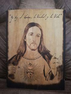 Rostro de jesús pirograbado sobre madera. Mona Lisa, Cover, Artwork, Jesus Face, Natural Wood, Life, Jesus Christ, Art, Work Of Art
