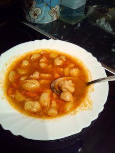 Chana Masala, Cheeseburger Chowder, Thai Red Curry, Hamburger, Soup, Ethnic Recipes, Burgers, Soups