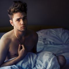 xavier dolan - he's genius, great director, one of my favorite.