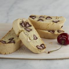 Almond+Biscotti+with+Cherry+Flavor+Filled+DelightFulls™