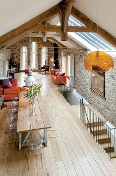 Always dreamed of living in a huge loft style apartment :)