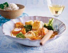 Das Rezept für Rotes Fisch-Gemüse-Curry mit Basmati-Reis und weitere kostenlose Rezepte auf LECKER.de