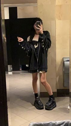 Edgy Outfits, Grunge Outfits, Girl Outfits, Fashion Outfits, Trend Fashion, Grunge Fashion, Look Fashion, Indie Fashion, Fashion Women