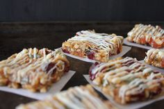 Saszali cranberry and apricot nut bars - the perfect fruity and nutty snack :) Recipe on the blog. Diet Recipes, Dessert Recipes, Desserts, Nut Bar, Carbohydrate Diet, Gluten Free Baking, Healthy Alternatives, Baked Goods, Sugar Free