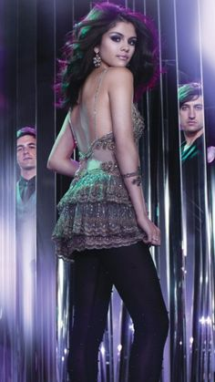 Download Selena gomez dancing - Bollywood hollywood and beauty For mobile cell phone.