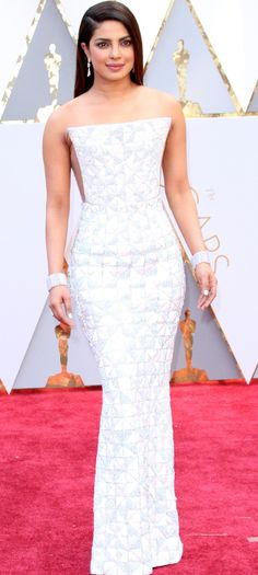 The 34-year-old Indian actress and singer stunned in her beautifully structured Ralph & Russo gown at her second Oscars appearance