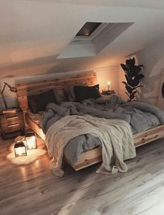 20+ Attic Bedroom Decoration Ideas - Eweddingmag.com