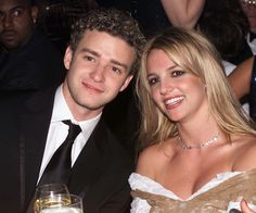 #Grammys Throwback: Justin Timberlake and Britney Spears were seated together in 2002. | More pictures here.