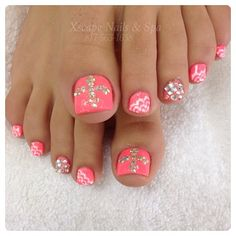 Nail Art Designs With Rhinestones One of the most fun fashion trends today are nail designs rather than just nail painting. Pretty Toe Nails, Cute Toe Nails, Sexy Nails, Trendy Nails, Fun Nails, Pretty Pedicures, Nail Art Designs, Pedicure Designs, Pedicure Nail Art