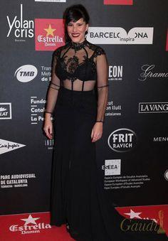 Mercè Martínez  eligió YolanCris para la VI edición de los Premis Gaudí en Barcelona.   #Espectacular Mercè Martínez de YolanCris #PremisGaudí #Barcelona #HauteCouture #style #glamour #blackcode