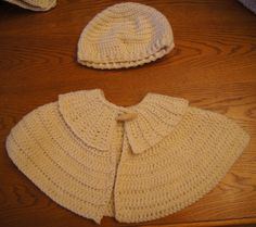 Girls caplet and matching hat