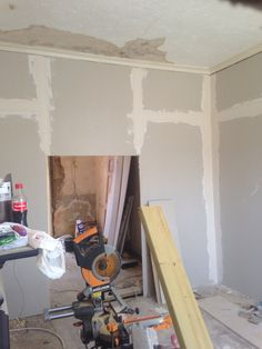 Plasterboard going up in living room