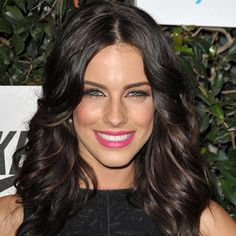 Dark brown hair ~ I want my hair this color but with blonde highlights.