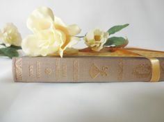 1st Edition Northanger Abbey by Jane Austen / The Folio Society London / In Original Slipcase Box / Illustrated Edition by AllAboutAusten on Etsy https://www.etsy.com/listing/223108078/1st-edition-northanger-abbey-by-jane