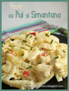 Sunt rapide, satioase si se pot face in nenumarate feluri. The sky is the limit! Ne trebuie: g carne de pui 2 cepe - Spaghetti Recipes, Pasta Recipes, Cooking Recipes, Healthy Meal Prep, Healthy Recipes, Edith's Kitchen, Pasta Carbonara, Romanian Food, Chicken Pasta