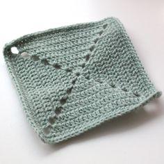 DIY - hæklet firkant med huller