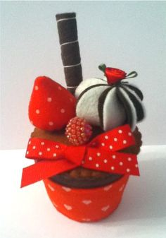 gorgeous felt food chocolate RED stars cake by nicolaluke on Etsy, £6.00