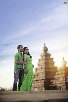 Pre Wedding Shoot Ideas, Pre Wedding Poses, Wedding Couple Photos, Pre Wedding Photoshoot, Wedding Pics, Wedding Couples, Wedding Couple Poses Photography, Couple Photoshoot Poses, Indian Wedding Photography