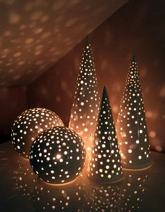 Photo of Kähler's Nobili: Winter coziest lanterns ! Ceramics Projects, Clay Projects, Clay Crafts, Diy And Crafts, Ceramic Christmas Decorations, Ceramic Christmas Trees, Ceramic Pottery, Pottery Art, Ceramic Art