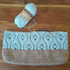 """The location where building and construction meets style, beaded crochet is the act of using beads to decorate crocheted products. """"Crochet"""" is derived fro Filet Crochet, Crochet Scarf Easy, Crochet Pouch, Crochet Shell Stitch, Crochet Purses, Bead Crochet, Crochet Gifts, Crochet Stitches, Crochet Bikini Pattern"""