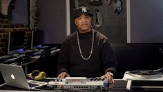 Marley Marl on the MPC http://www.youtube.com/watch?v=Slj-VUEp3Tw