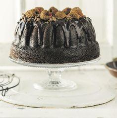 My ouma se sjokoladekoek – opgetof South African Recipes, Dessert Recipes, Desserts, Kos, Sweet Treats, Baking, Cake, Tailgate Desserts, Deserts