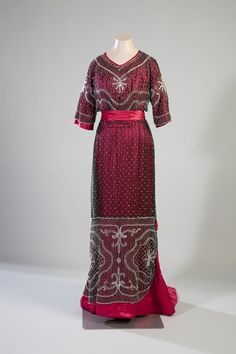 Evening Dress 1910 Turun museokeskus