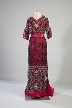 Evening Dress 1910 Turun museokeskus