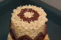 How to: Make a Peanut Butter Rice Krispies Cake