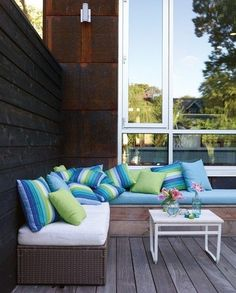 DIY Outdoor Sectionals - Love this idea for outdoor furniture, very inexpensive.