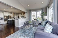 Who wouldn't want an amazing morning room right off their kitchen?